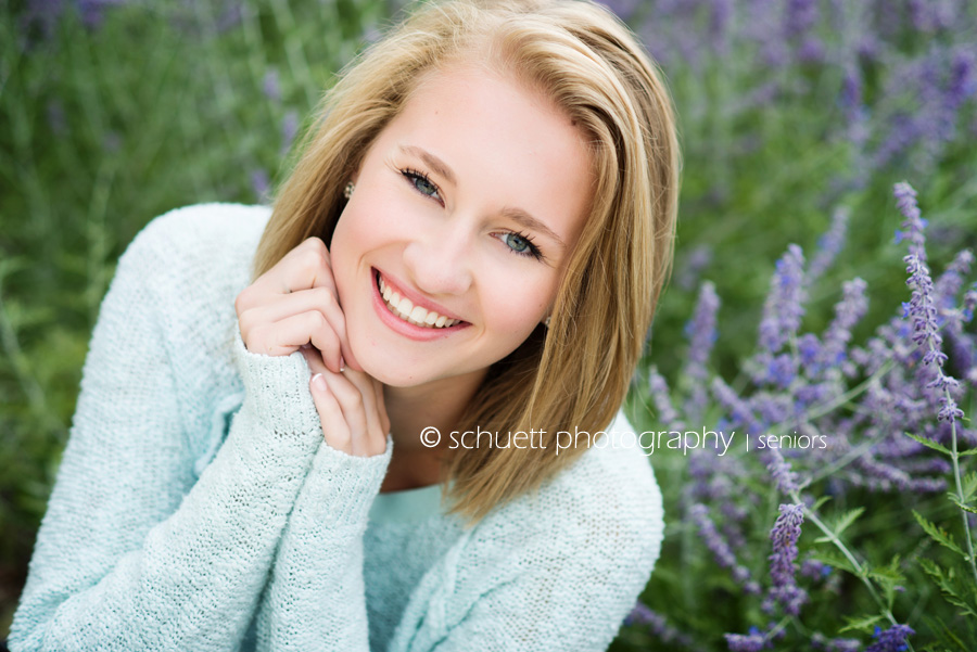 Natural bright colorful senior pictures Milwaukee Wisconsin Brookfield