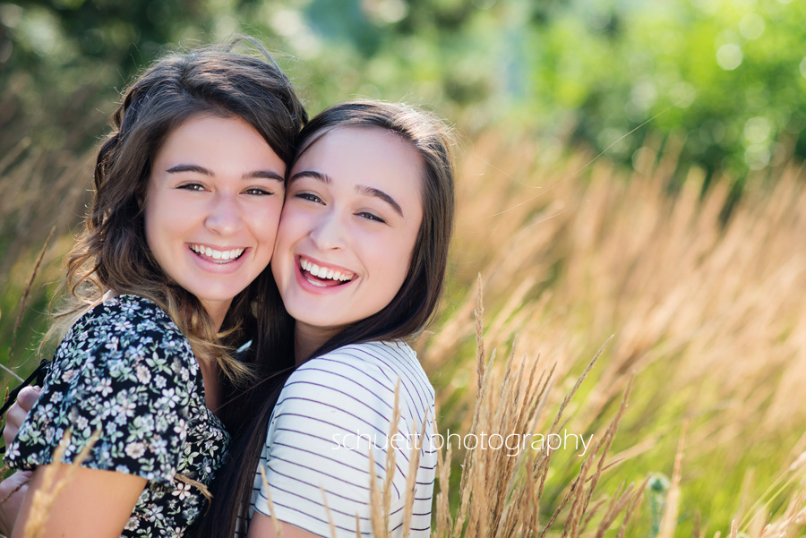 milwaukee senior pictures outdoor park sisters