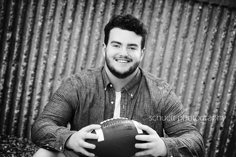 football senior pictures in milwaukee wi brookfield
