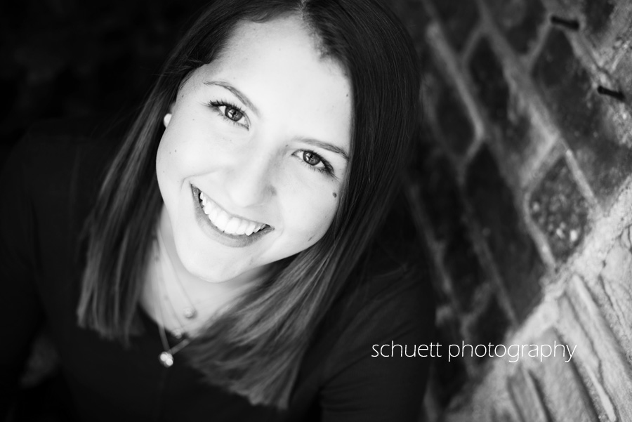 Black and white simple natural candid real beautiful senior pictures in milwaukee wisconsin brookfield